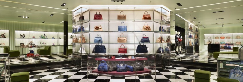 Discover the new Prada boutique in Vienna, Austria - Inside the store