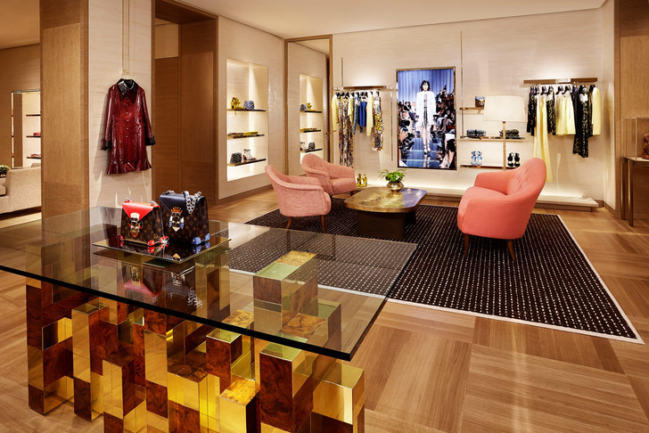 Louis Vuitton Paris Store by Peter Marino