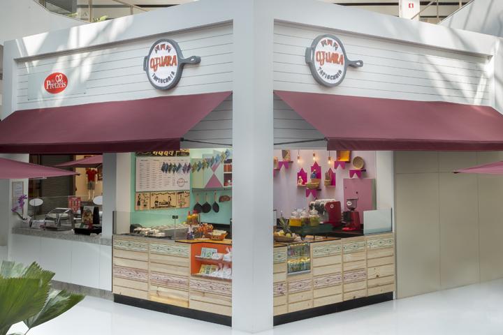 Ojuara Tapiocaria Eatery Concept Store in São Paulo, Brazil - Today we present Ojuara Tapiocaria, a new brazilian retail brand dedicated to the sale of tapioca.The store and all the concept was designed and developed by Estúdio Jacarandá.