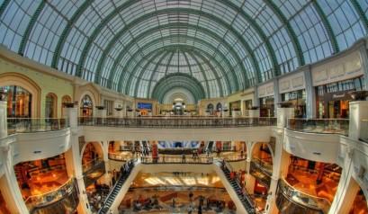 Upcoming - Gigantic Apple Store in Dubai