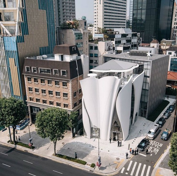 Luxury-Brand-Dior-open-a-Flagship-Store-by-Peter-Marino-in-South-Korea-1