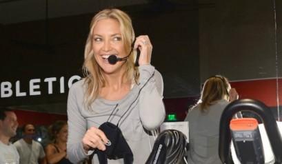 New-Kate-Hudson-sportswear-at-Kenwood-fashion-store-9