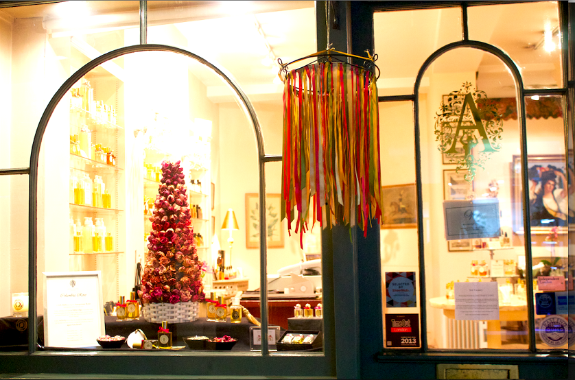 Best places to shop: where to buy unique gifts in London ➤To see more Interior Design Shop ideas visit us at http://interiordesignshop.net/ #interiordesignshop #bestshops #bestinteriordesignshops @intdesignshop