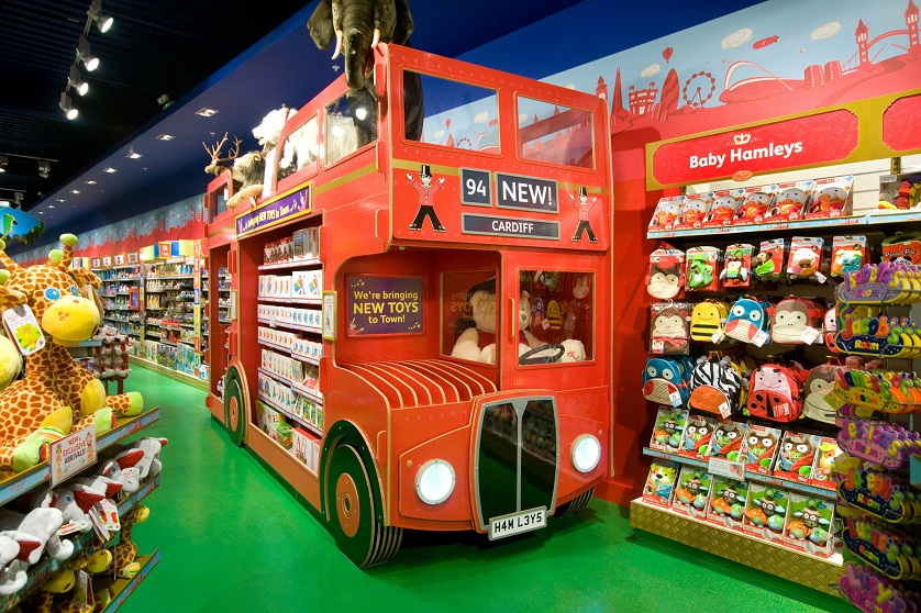 Best places to shop: Top 5 Best Toy Stores in the World ➤To see more Interior Design Shop ideas visit us at http://interiordesignshop.net/ #interiordesignshop #bestshops #bestinteriordesignshops @intdesignshop best toy stores in the world Best places to shop: Top 10 Best Toy Stores in the World hamleys iconic bus