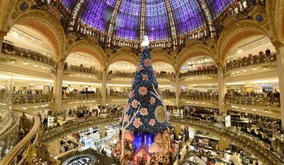 Best Places for Christmas Shopping in Paris ➤To see more Interior Design Shop ideas visit us at http://interiordesignshop.net/ #interiordesignshop #bestshops #bestinteriordesignshops @intdesignshop christmas shopping in paris Best places for Christmas shopping in Paris feat 2 409x238