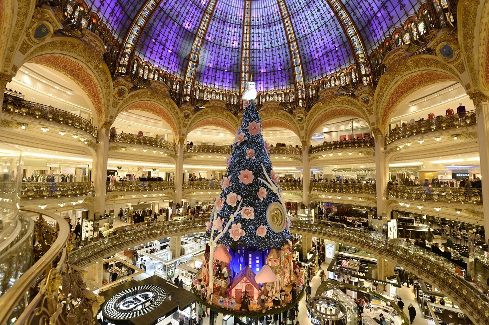 Best Places for Christmas Shopping in Paris ➤To see more Interior Design Shop ideas visit us at http://interiordesignshop.net/ #interiordesignshop #bestshops #bestinteriordesignshops @intdesignshop christmas shopping in paris Best places for Christmas shopping in Paris feat 2