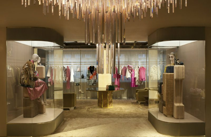 Be Amazed By The New Luxurious Boutique of Fendi in London ➤ To see more news about the Interior Design Shops in the world visit us at www.interiordesignshop.net/ #interiordesign #homedecor #interiordesignshop @interiordesignshop @bocadolobo @delightfulll @brabbu @essentialhomeeu @circudesign @mvalentinabath @luxxu @covethouse_ Fendi in London Be Amazed By The New Luxurious Boutique of Fendi in London Be Amazed By The New Luxurious Boutique of Fendi in London 1