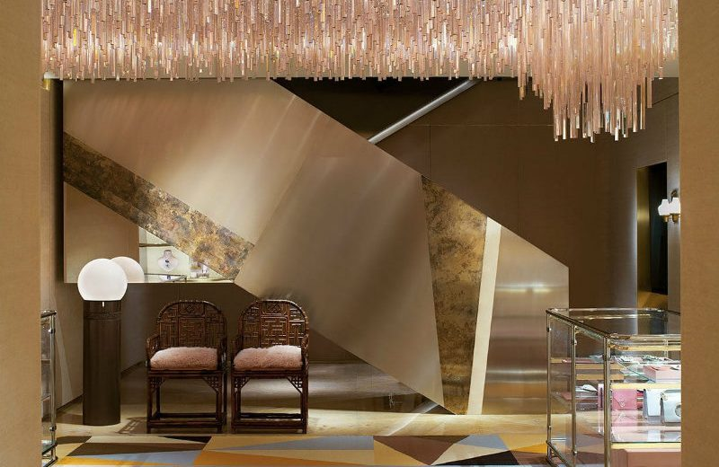 Be Amazed By The New Luxurious Boutique of Fendi in London ➤ To see more news about the Interior Design Shops in the world visit us at www.interiordesignshop.net/ #interiordesign #homedecor #interiordesignshop @interiordesignshop @bocadolobo @delightfulll @brabbu @essentialhomeeu @circudesign @mvalentinabath @luxxu @covethouse_ Fendi in London Be Amazed By The New Luxurious Boutique of Fendi in London Be Amazed By The New Luxurious Boutique of Fendi in London 3
