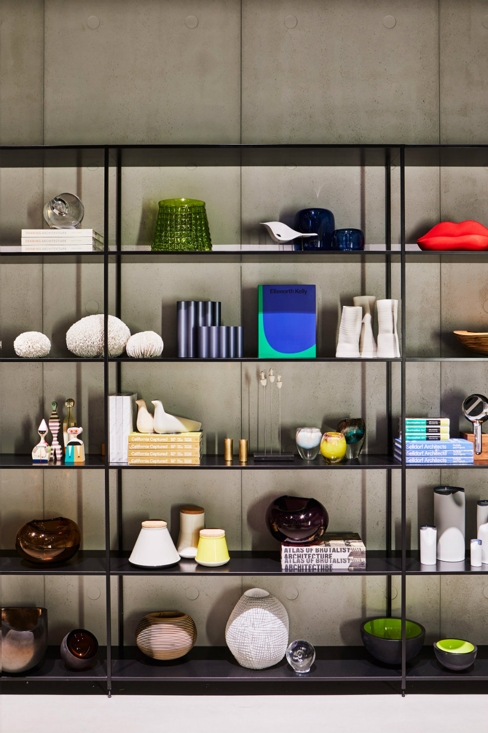 Luminaire shop opens in Los Angeles with a contemporary showroom luminaire Luminaire shop opens in Los Angeles with a contemporary showroom Luminaire shop opens in Los Angeles with a contemporary showroom 5